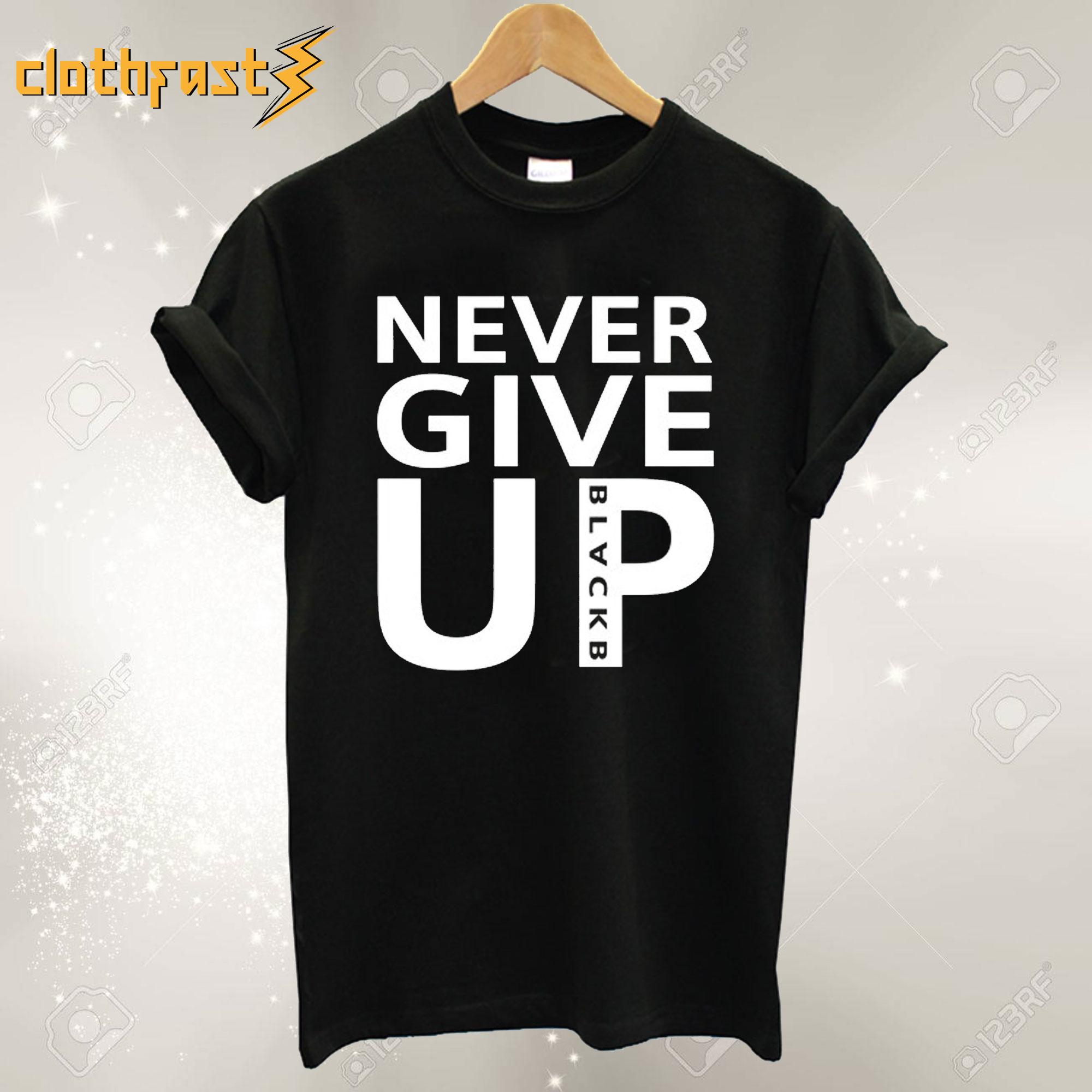 Never Give Up – Mo Salah T-Shirt